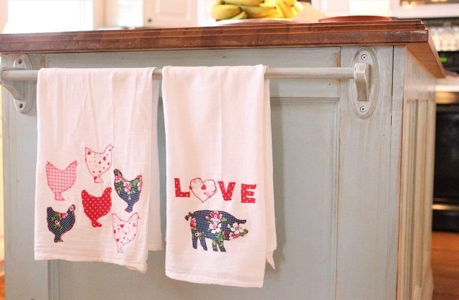 Applique towels Valentine
