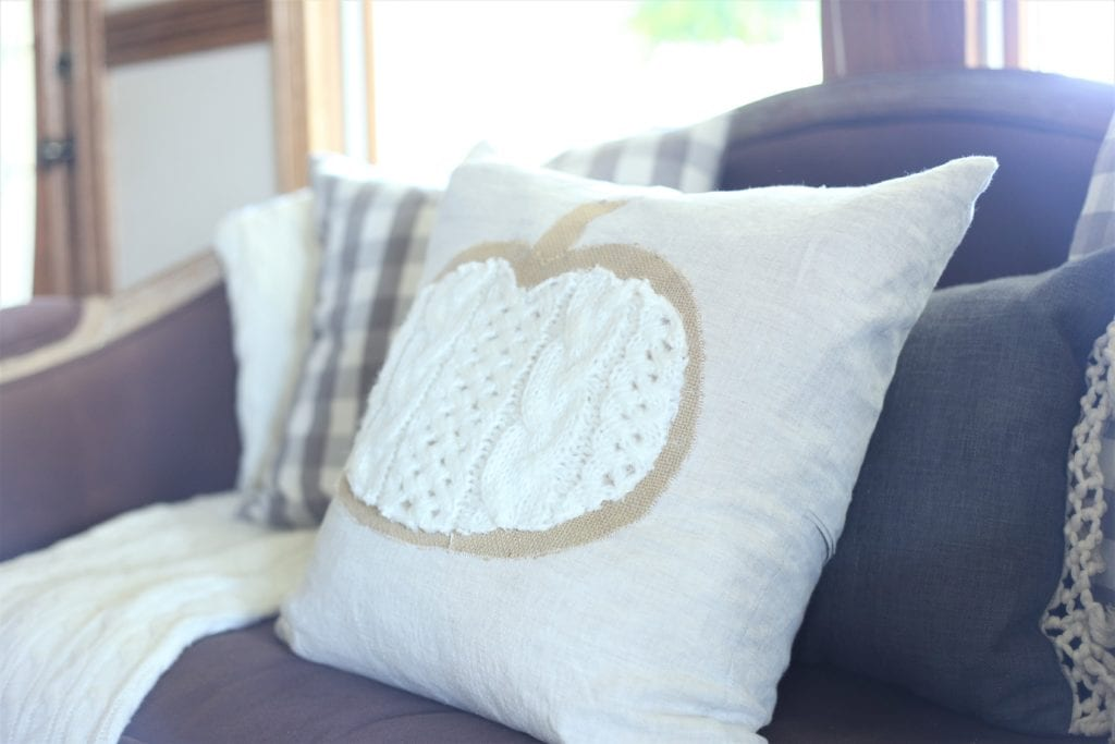 Zig Zag stitch on pillow