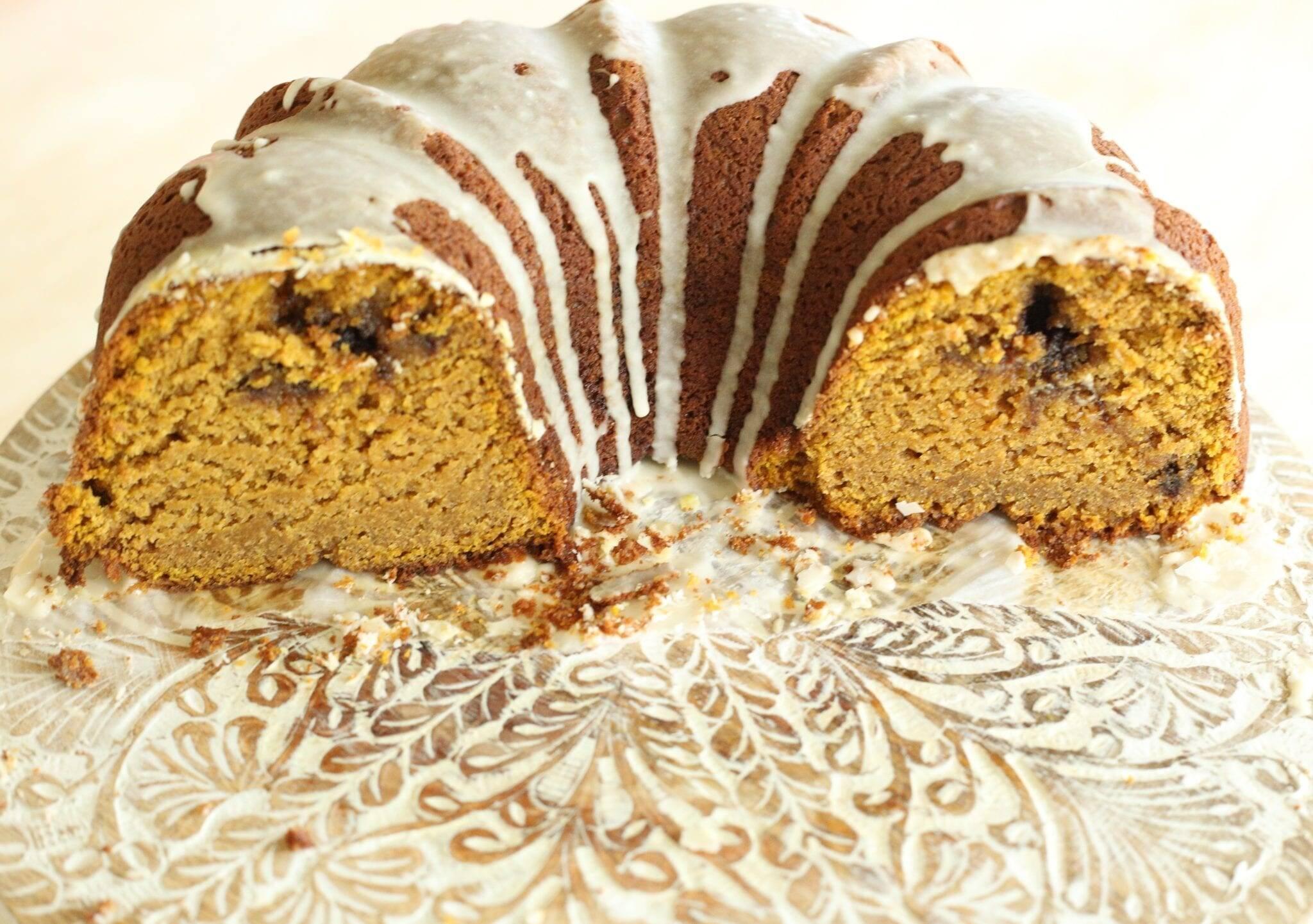 inside of pumpkin bundt cake