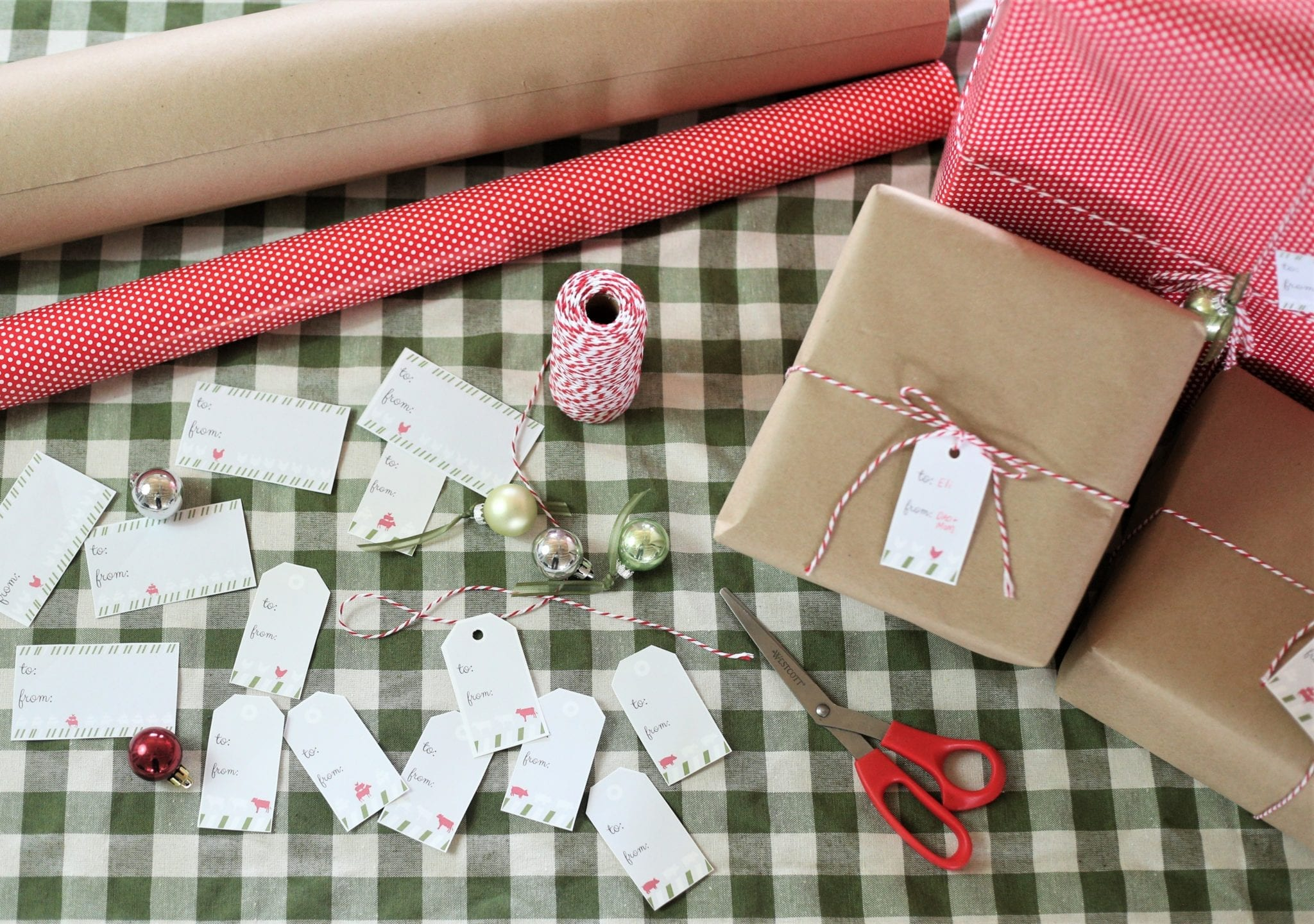 Wrapping gifts Christmas Tags