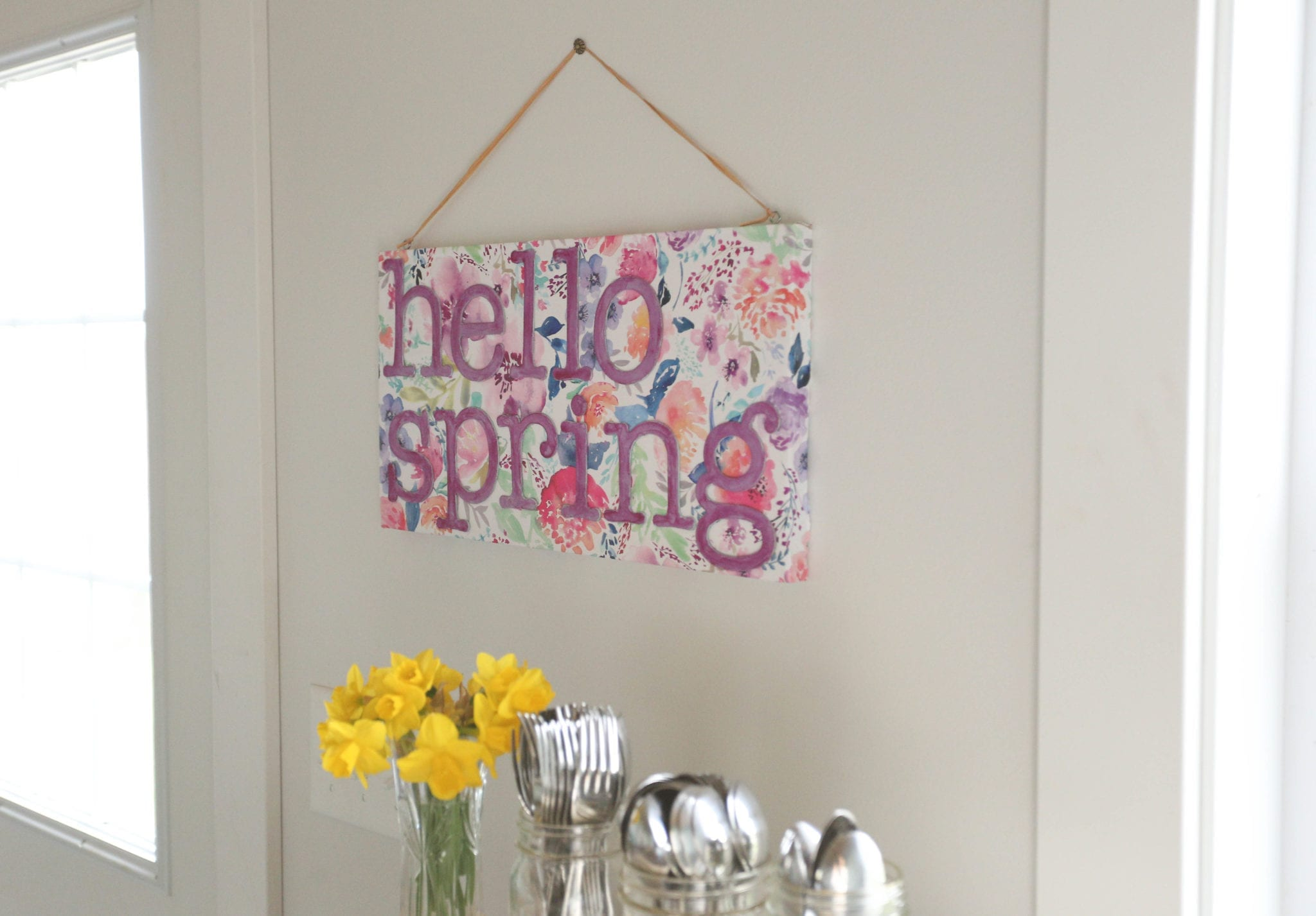 Hello Spring–Super Easy Handmade Sign