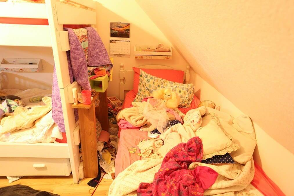 super messy room