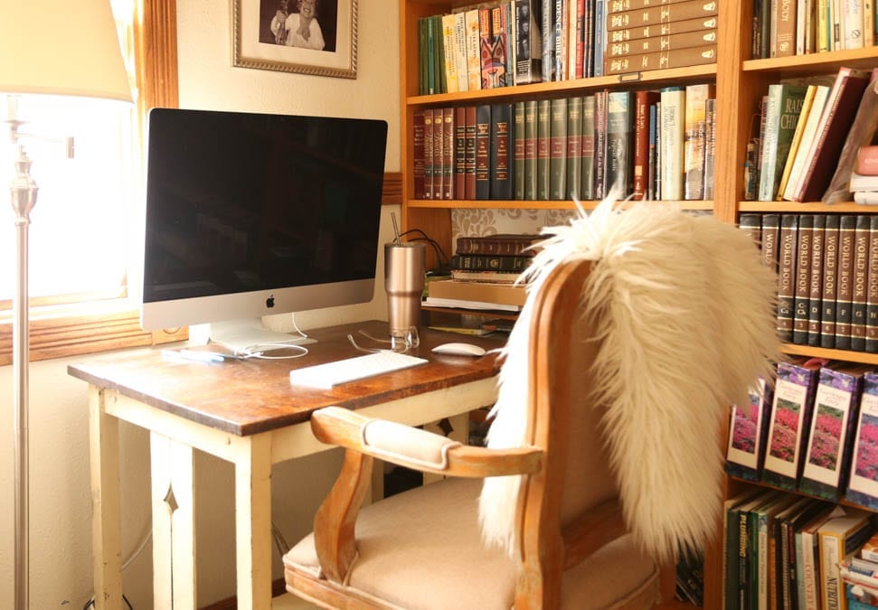 corner home office