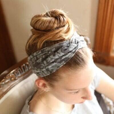 Super Easy Ten Minute Twist Headband