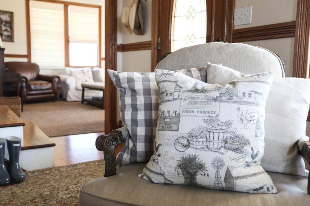 easy farmhouse envelope pillow cover