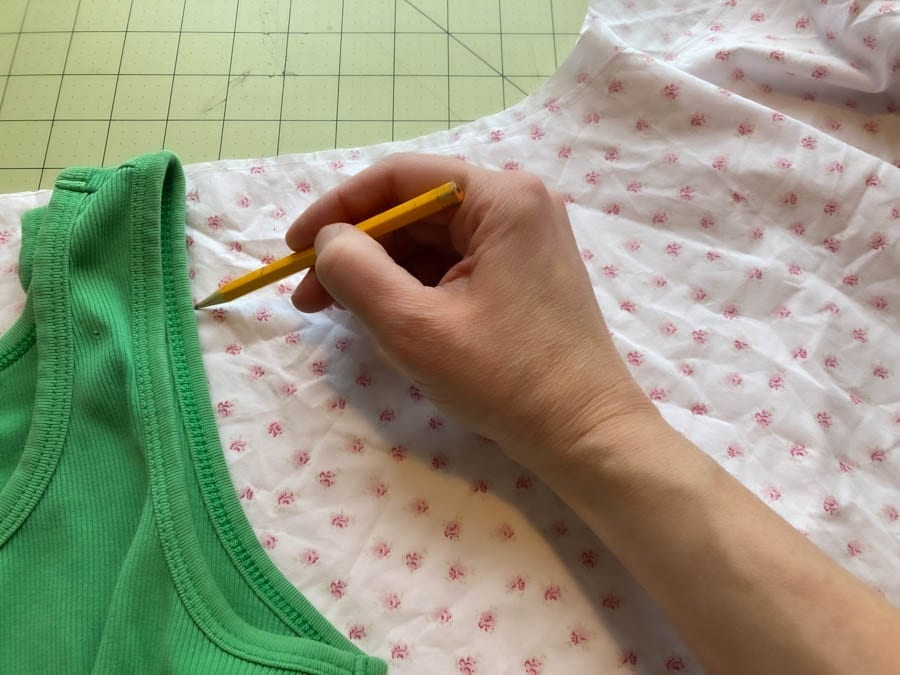 drawing your cross back apron pattern