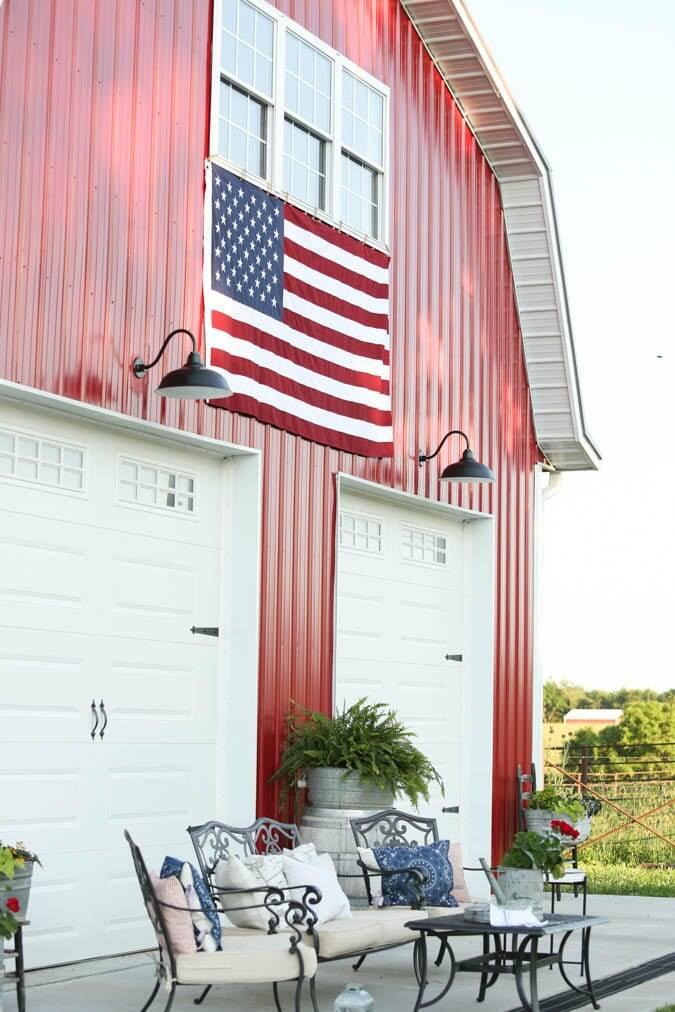 exterior barn summer decor